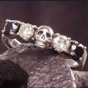 🍁 Skull Ring with Black & Clear Rhinestones